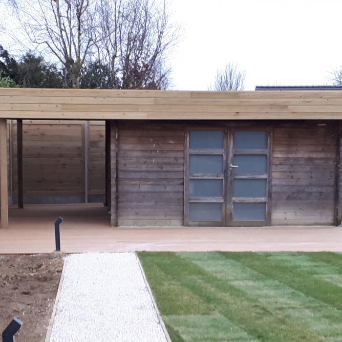 Tuinhuis renovatie behandeling met ontweringswater Benedict Huysentruyt verf en advies Heule